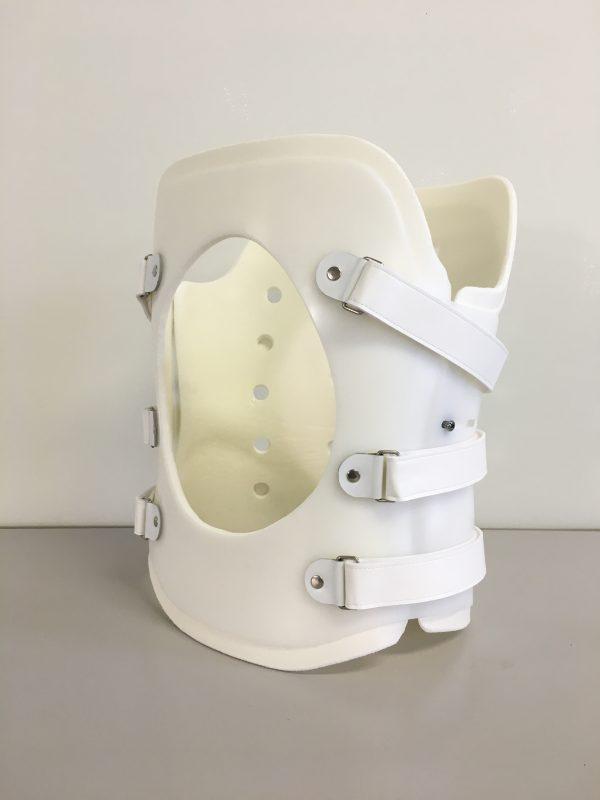 体幹装具 モールド式サンドイッチ構造の画像