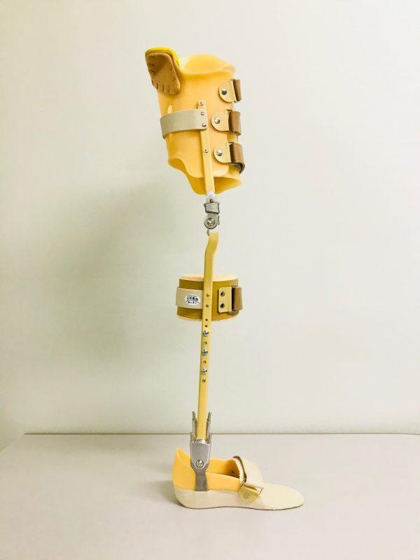 坐骨支持長下肢装具の画像